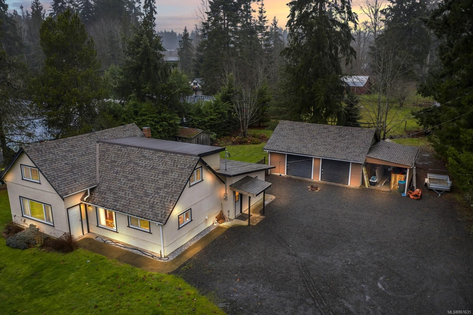 Main Photo: 4325 Cowichan Lake Rd in : Du West Duncan House for sale (Duncan)  : MLS®# 861635