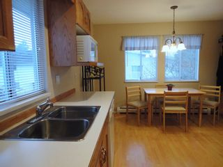 Photo 7: 9168 160A STREET in MAPLE GLEN: House for sale