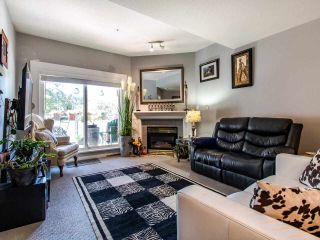 """Photo 3: 402 15140 29A Avenue in Surrey: King George Corridor Condo for sale in """"The Sands"""" (South Surrey White Rock)  : MLS®# R2510345"""