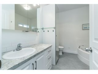 "Photo 13: 205 3665 244 Street in Langley: Otter District Manufactured Home for sale in ""Langley Grove Estates"" : MLS®# R2372975"