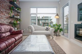 """Photo 3: 308 262 SALTER Street in New Westminster: Queensborough Condo for sale in """"PORTAGE"""" : MLS®# R2413494"""
