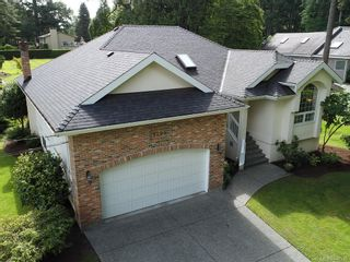 Photo 1: 9255 Jura Rd in North Saanich: NS Ardmore House for sale : MLS®# 842930
