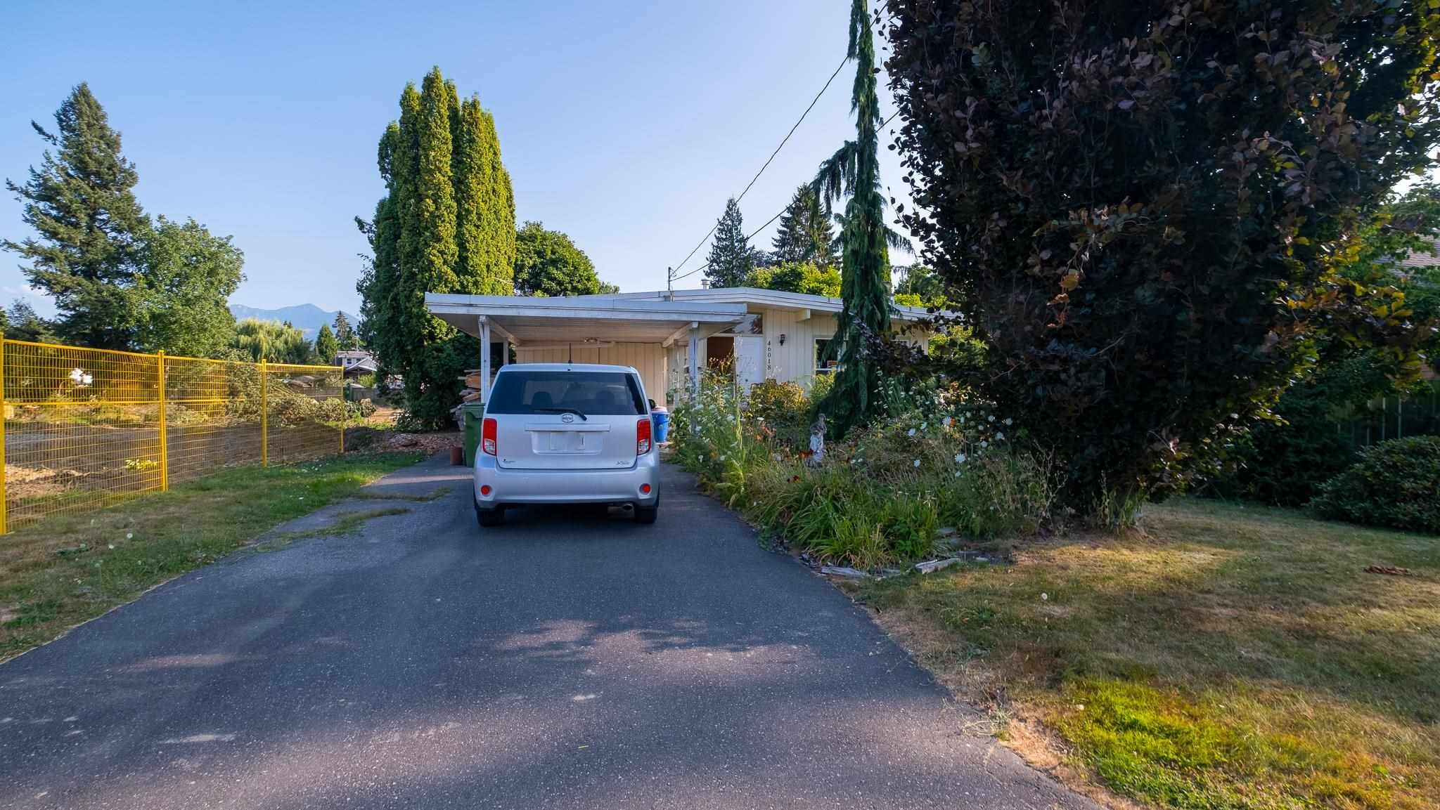Main Photo: 46018 BONNY Avenue in Chilliwack: Chilliwack N Yale-Well House for sale : MLS®# R2605296