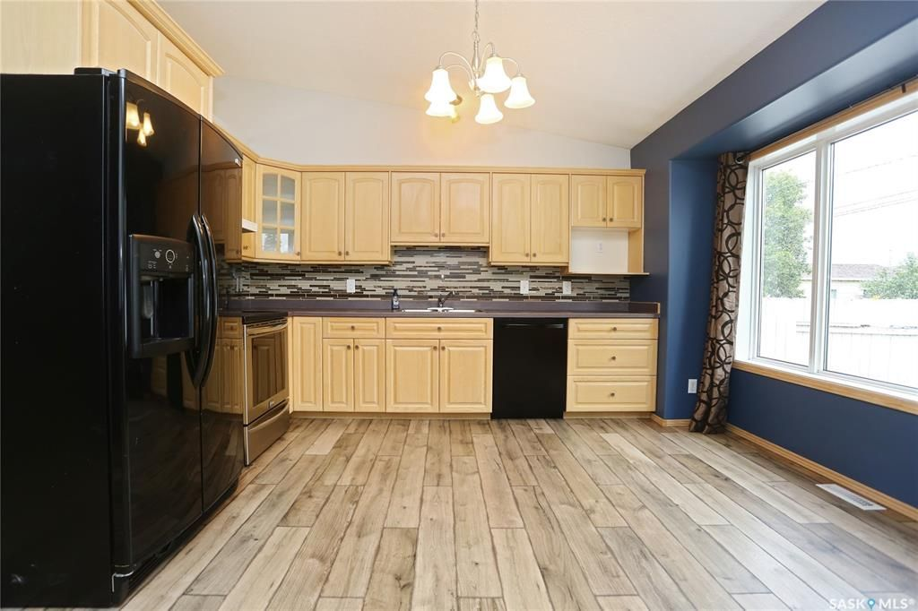 Photo 12: Photos: 206 1st Avenue North in Warman: Residential for sale : MLS®# SK796281