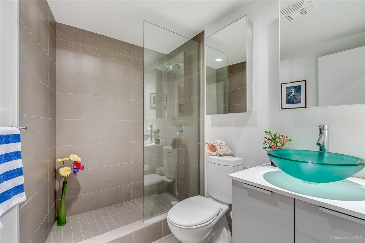 """Photo 13: Photos: 2503 128 W CORDOVA Street in Vancouver: Downtown VW Condo for sale in """"WOODWARDS W43"""" (Vancouver West)  : MLS®# R2199379"""