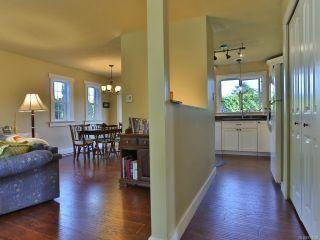 Photo 4: 504 W First Ave in QUALICUM BEACH: PQ Qualicum Beach House for sale (Parksville/Qualicum)  : MLS®# 763328