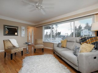 Photo 3: 1685 Stanhope Pl in : SE Mt Tolmie House for sale (Saanich East)  : MLS®# 870605