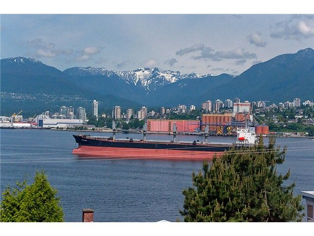 """Main Photo: # 416 2366 WALL ST in Vancouver: Hastings Condo for sale in """"LANDMARK MARINER"""" (Vancouver East)  : MLS®# V1010845"""