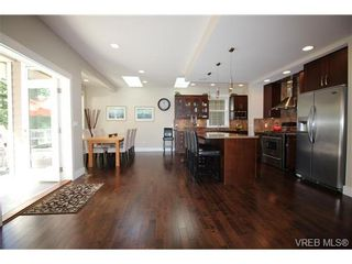 Photo 5: 2188 Harrow Gate in VICTORIA: La Bear Mountain House for sale (Langford)  : MLS®# 696440