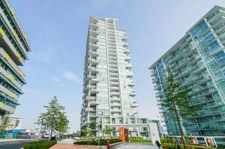 Photo 3: 2501 258 NELSON'S Court in New Westminster: Sapperton Condo for sale : MLS®# R2543188