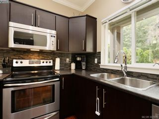 Photo 8: 1284 Parkdale Creek Gdns in VICTORIA: La Westhills House for sale (Langford)  : MLS®# 795585