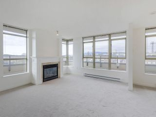 """Photo 5: 720 2799 YEW Street in Vancouver: Kitsilano Condo for sale in """"TAPESTRY AT THE O'KEEFE"""" (Vancouver West)  : MLS®# R2605737"""