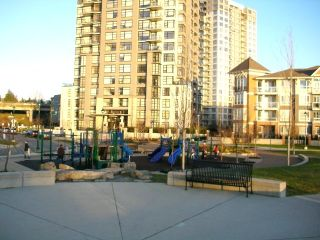 "Photo 18: 1105 3660 VANNESS Avenue in Vancouver: Collingwood VE Condo for sale in ""CIRCA"" (Vancouver East)  : MLS®# V681696"