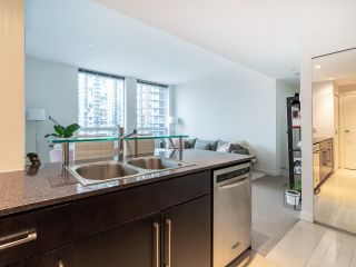 Photo 17: 1106 638 BEACH CRESCENT in Vancouver: Yaletown Condo for sale (Vancouver West)  : MLS®# R2499986