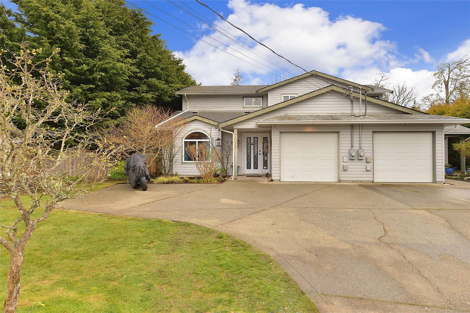Main Photo: 7085 Wright Rd in : Sk Whiffin Spit Half Duplex for sale (Sooke)  : MLS®# 870700