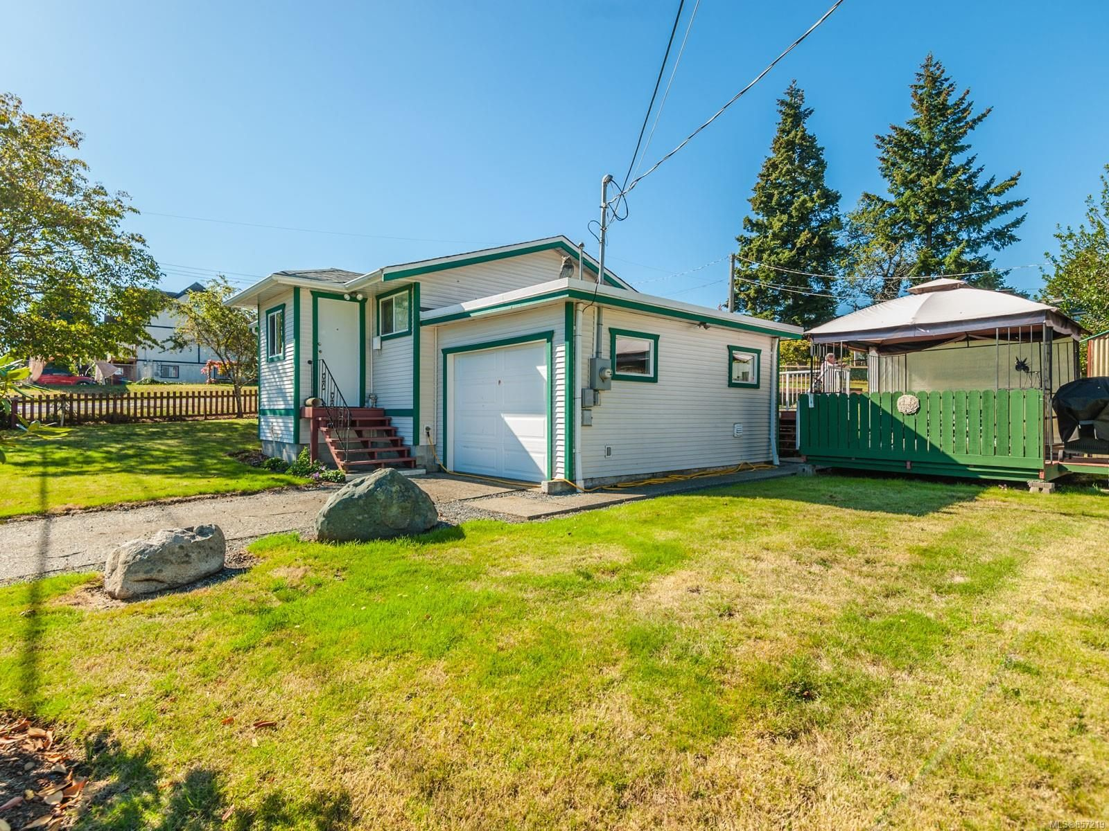 Main Photo: 27 Howard Ave in : Na University District House for sale (Nanaimo)  : MLS®# 857219