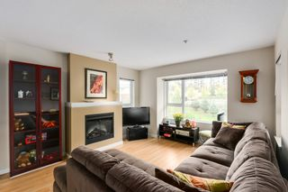 Photo 2: 303 4723 Dawson St in Collage: Brentwood Park Home for sale ()  : MLS®# V1085544