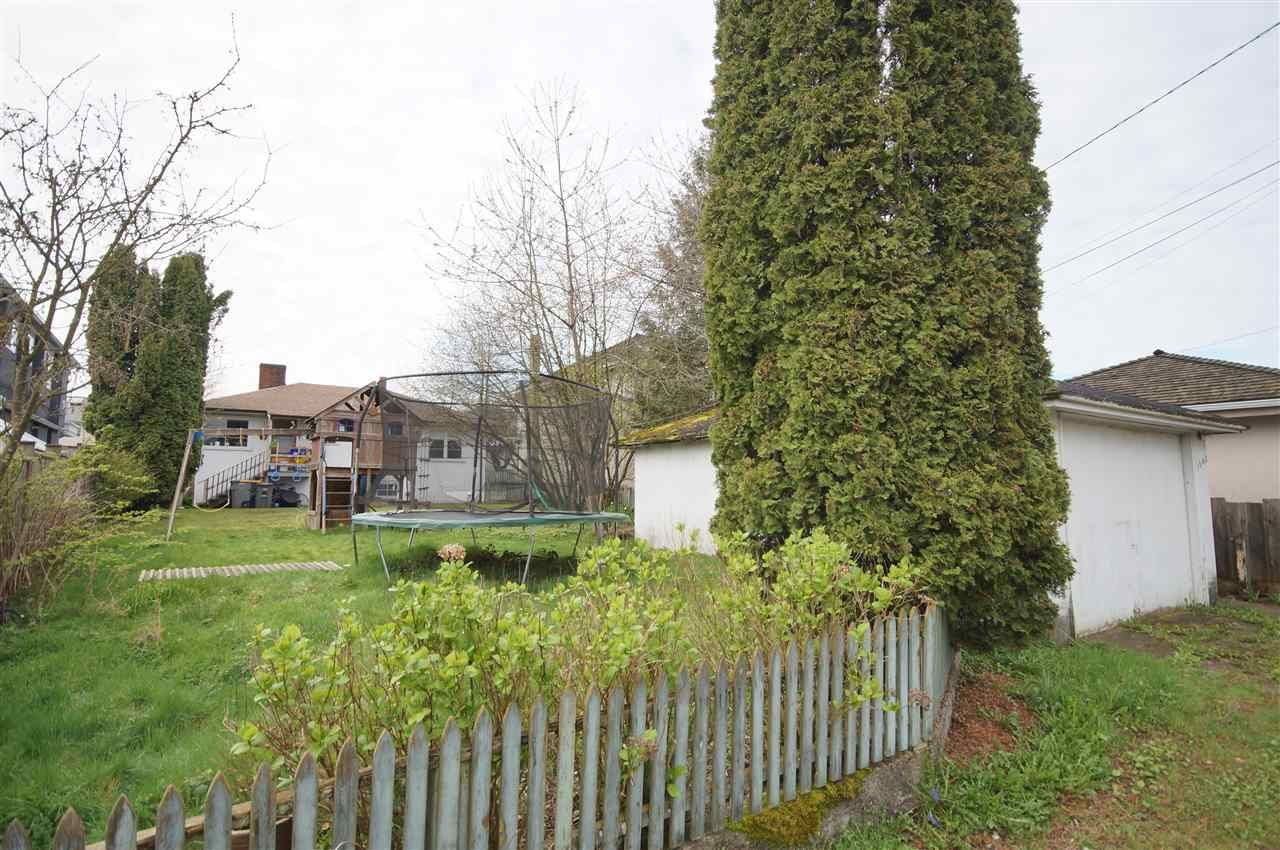 Photo 20: Photos: 2441 E 40TH AVENUE in Vancouver: Collingwood VE House for sale (Vancouver East)  : MLS®# R2051236