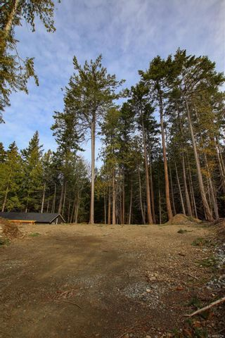 Photo 2: 3614 Jolly Roger Cres in : GI Pender Island Land for sale (Gulf Islands)  : MLS®# 869738