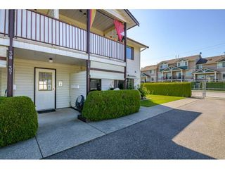 "Photo 2: 36 7455 HURON Street in Sardis: Sardis West Vedder Rd Townhouse for sale in ""Ascott Estates"" : MLS®# R2580749"