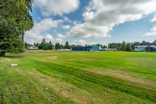Photo 70: 6868 CLEVEDON Drive in Surrey: West Newton House for sale : MLS®# R2490841
