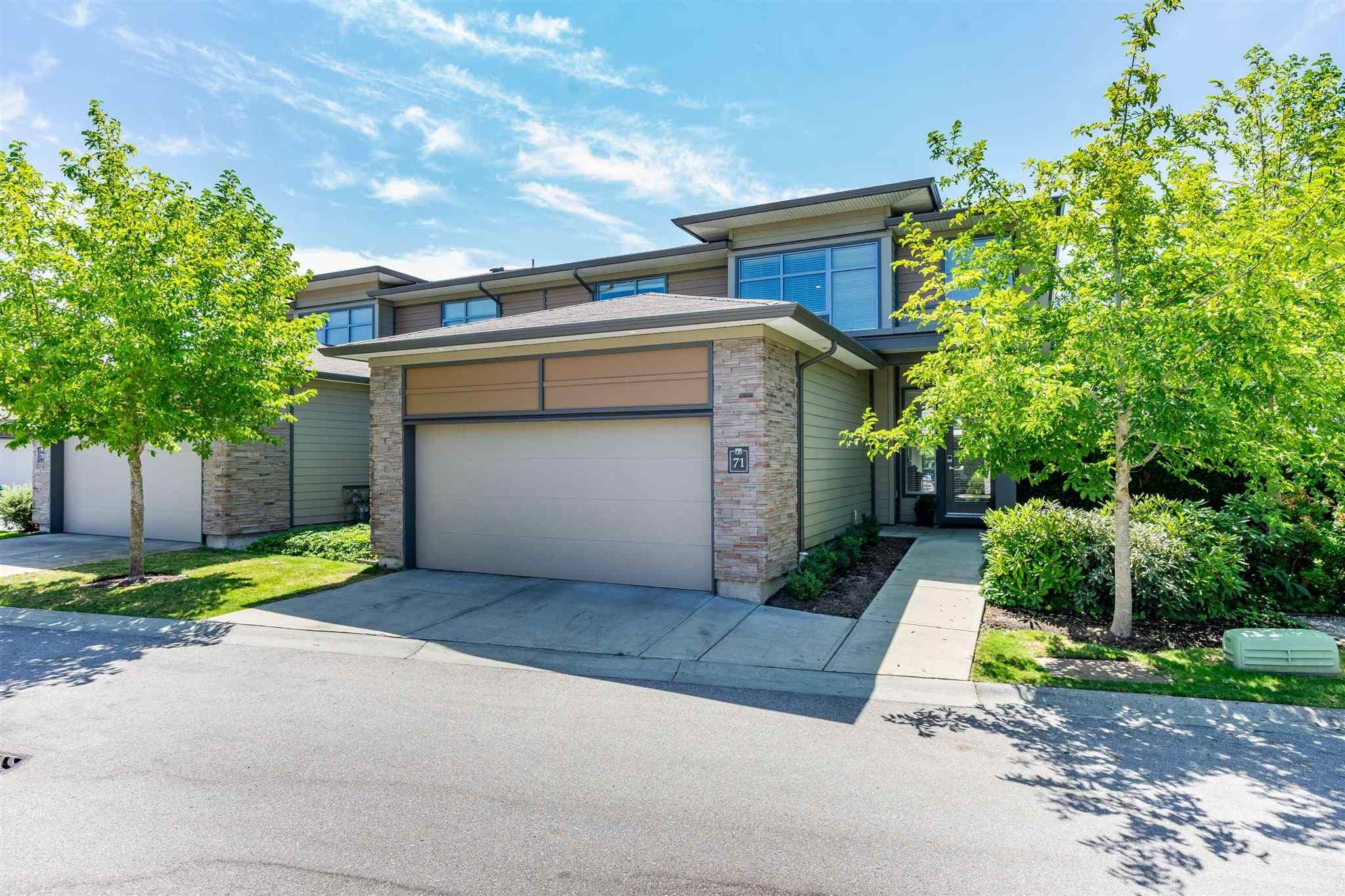 Main Photo: 71 2603 162 Street in Surrey: Grandview Surrey Townhouse for sale (South Surrey White Rock)  : MLS®# R2606237
