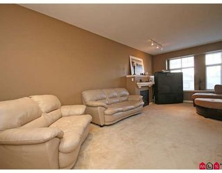 """Photo 3: 33 18828 69TH Avenue in Surrey: Clayton Townhouse for sale in """"STARPOINT"""" (Cloverdale)  : MLS®# F2901097"""