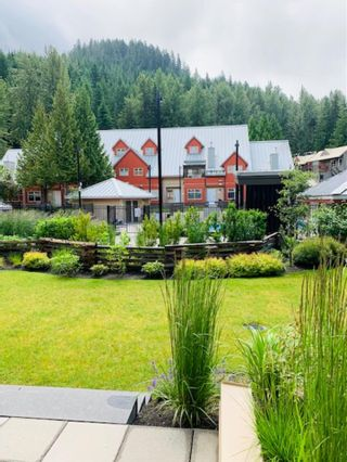 "Photo 15: 2050 LAKE PLACID Road in Whistler: Whistler Creek Condo for sale in ""Lake Placid Lodge"" : MLS®# R2423994"