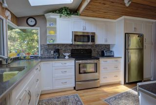 "Photo 11: 290 ESPLANADE Lane: Keats Island House for sale in ""Eastbourne Estates"" (Sunshine Coast)  : MLS®# R2554226"