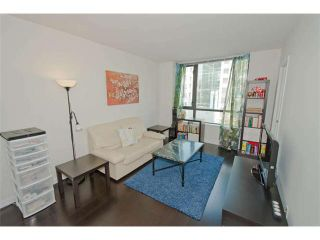 """Photo 3: 816 788 RICHARDS Street in Vancouver: Downtown VW Condo for sale in """"L'Hermitage"""" (Vancouver West)  : MLS®# V1019644"""