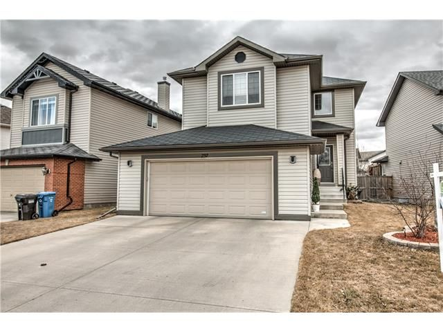 Main Photo: 237 Cranfield Park SE in Calgary: Cranston House for sale : MLS®# C4052006