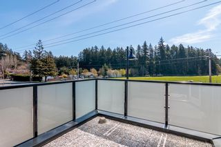 Photo 11: 201 2130 Sooke Rd in Colwood: Co Hatley Park Row/Townhouse for sale : MLS®# 834885