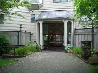 """Photo 1: 304 777 8TH Street in New Westminster: Uptown NW Condo for sale in """"MOODY GARDENS"""" : MLS®# V985098"""
