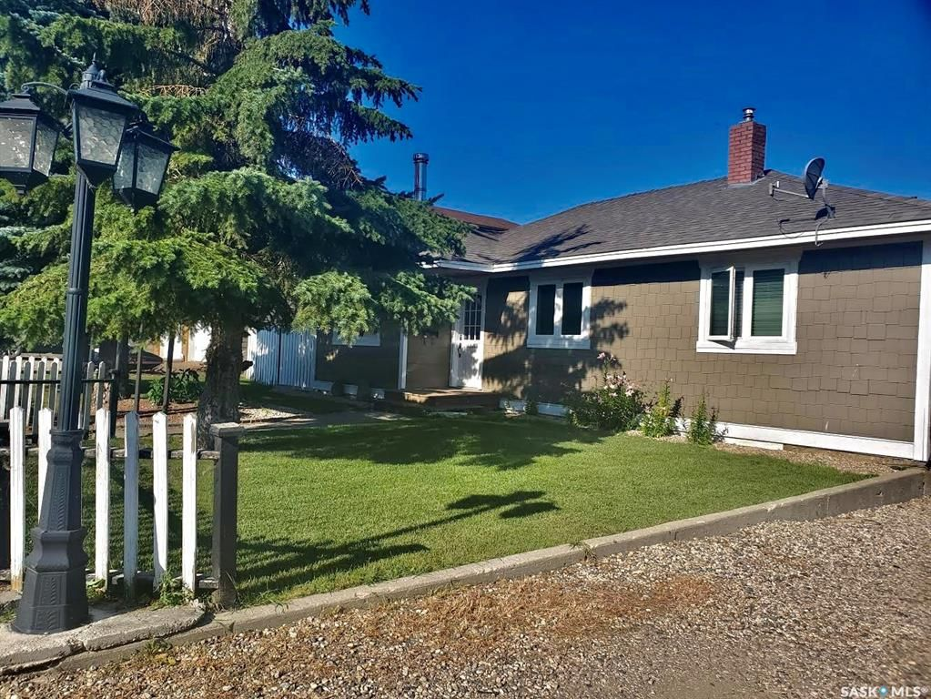 Main Photo: 205 Islay Street in Colonsay: Residential for sale : MLS®# SK856342