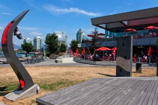 """Photo 19: 318 38 W 1ST Avenue in Vancouver: False Creek Condo for sale in """"THE ONE"""" (Vancouver West)  : MLS®# R2576246"""