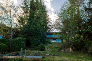Photo 4: 1229 POINT Road in Gibsons: Gibsons & Area House for sale (Sunshine Coast)  : MLS®# R2572392