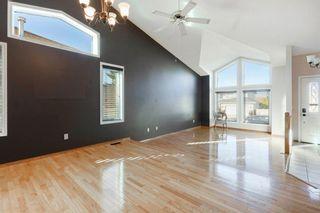 Photo 5: 142 Hawkdale Circle NW in Calgary: Hawkwood Detached for sale : MLS®# A1150961