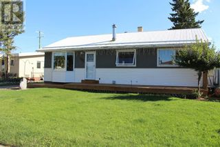 Photo 2: 944 Kettles Street in Pincher Creek: House for sale : MLS®# A1142378