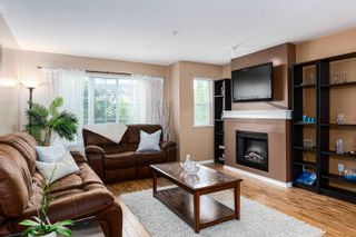 """Photo 7: 107 20875 80 Avenue in Langley: Willoughby Heights Townhouse for sale in """"PEPPERWOOD"""" : MLS®# R2610608"""