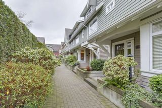 """Photo 2: 5372 LARCH Street in Vancouver: Kerrisdale Townhouse for sale in """"LARCHWOOD"""" (Vancouver West)  : MLS®# R2239584"""