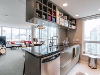 """Photo 3: 2003 833 SEYMOUR Street in Vancouver: Downtown VW Condo for sale in """"CAPITAL RESIDENCES"""" (Vancouver West)  : MLS®# R2087892"""