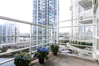 "Photo 13: 1005 189 DAVIE Street in Vancouver: Yaletown Condo for sale in ""Aquarius III"" (Vancouver West)  : MLS®# R2106888"