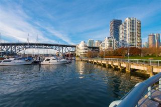 "Photo 27: 802 638 BEACH Crescent in Vancouver: Yaletown Condo for sale in ""ICON"" (Vancouver West)  : MLS®# R2511968"