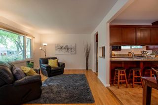 Photo 3: 889 Borebank Street in Winnipeg: River Heights South Residential for sale (1D)  : MLS®# 202111515