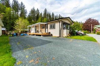 "Photo 2: 28 3942 COLUMBIA VALLEY Road: Cultus Lake Manufactured Home for sale in ""Cultus Lake Village"" : MLS®# R2575446"