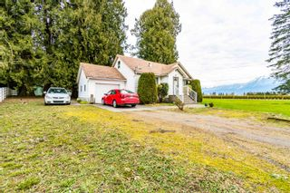 Photo 3: 48563 YALE Road in Chilliwack: East Chilliwack House for sale : MLS®# R2615661