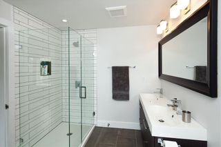 Photo 12: 8481 Quayside Court in Vancouver: Fraserview VE Townhouse  (Vancouver East)  : MLS®# R2057386