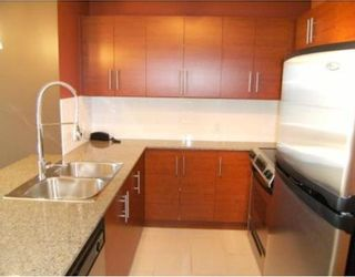 """Photo 3: 201 813 AGNES Street in New_Westminster: Downtown NW Condo for sale in """"The News"""" (New Westminster)  : MLS®# V764140"""