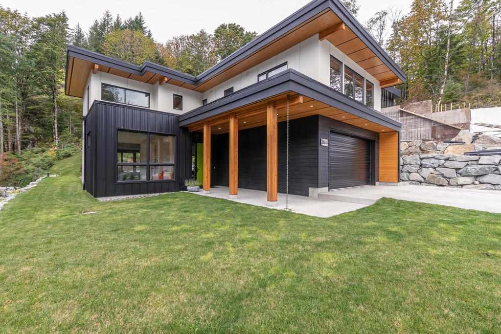 """Main Photo: 38631 HIGH CREEK Drive in Squamish: Plateau House for sale in """"Crumpit Woods"""" : MLS®# R2457128"""