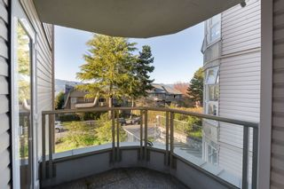 """Photo 11: 205 2428 W 1ST Avenue in Vancouver: Kitsilano Condo for sale in """"NOBLE HOUSE"""" (Vancouver West)  : MLS®# R2450860"""